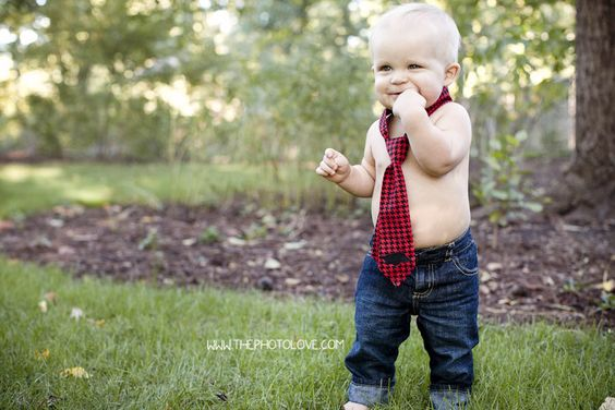 Cute little tie. One year old family photos