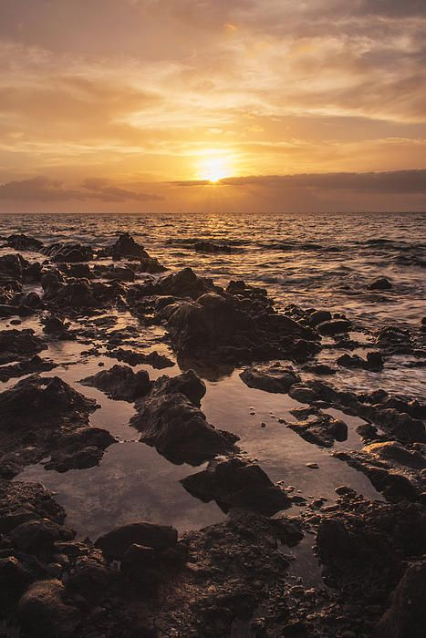 http://brian-harig.artistwebsites.com/featured/kihei-sunset-1-maui-hawaii-brian-harig.html