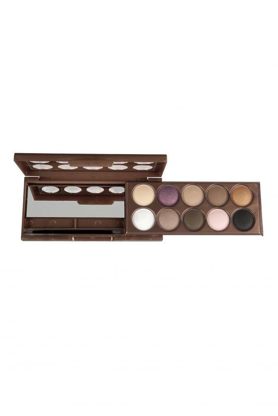 Dream Catcher Palette, Golden Horyzons. Une palette de maquillage NYX cosmectics avec différentes ombres à paupières.