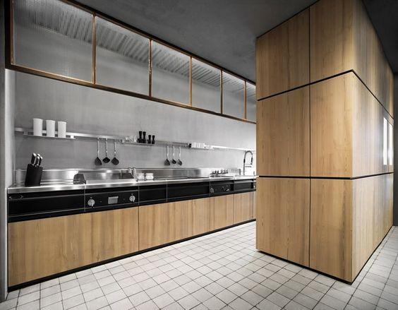 Cucina componibile in legno massello NATURAL SKIN - Minacciolo