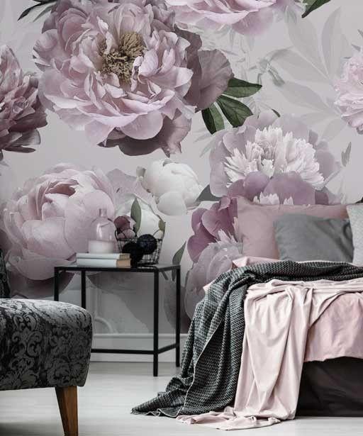 Nowoczesna Tapeta W Duze Kwiaty Piwonie Na Jasnym Tle Ozdobna Designerska Tapeta W Roze Bogaty Wzor Idealny Do Salonu Home Decor Home Decor Decals Home