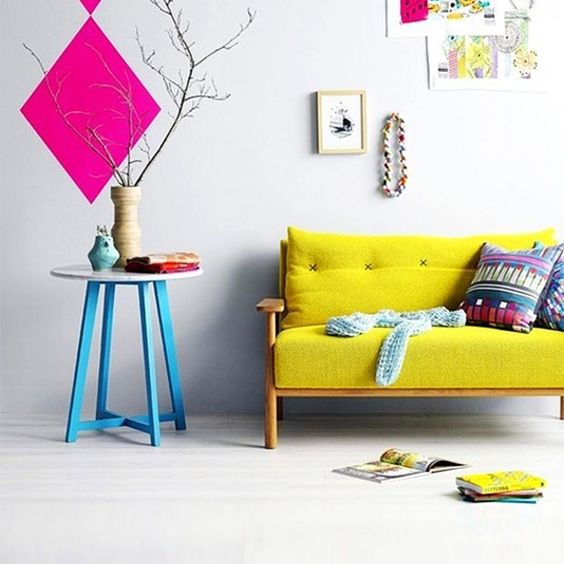 Decoração com sofá colorido - Garotas de Blush: