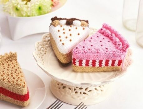 Knitted Cakes Free Patterns : Free pattern, Knitting patterns and Knitting on Pinterest