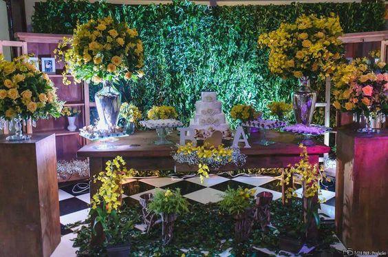 Decoração Rustica - Mari Decorações em eventos 13.97411-1815 #Muro Inglês #Yellow #Rustico