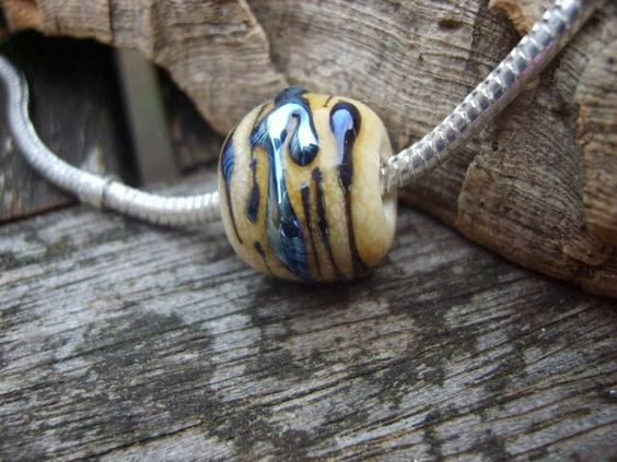 Triton trails chatelle charm bead