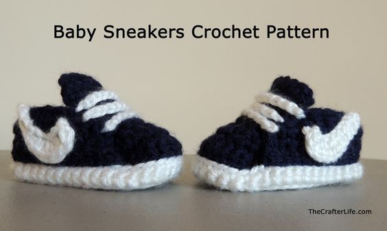 Crochet Nike style sneakers. FREE pattern. So cute! I'm going to make these for the baby:):