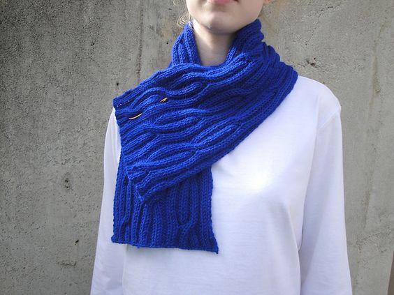 Ravelry: Regal Scarf pattern by Emily Johannes