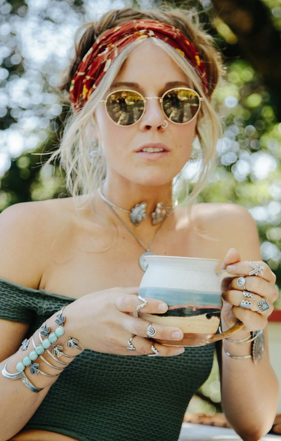 Boho bohemian hippie gypsy style accessories round glasses jewellery jewelry necklace bracelet. For more follow www.pinterest.com/ninayay and stay positively #inspired: