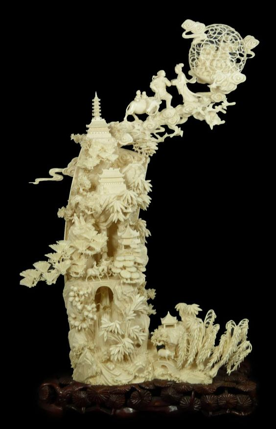 Fine and delicate chinese vertical carved ivory guan yin