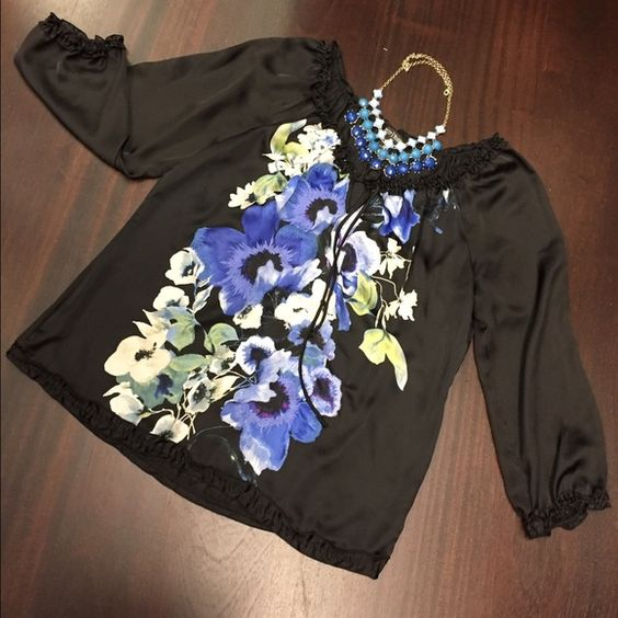 White House. BLACK Market Blouse Very good condition. Polyester. With embroidered details. White House Black Market Tops Blouses