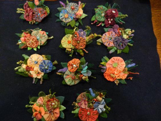 Шерсть биты и Урожай шелковые Yo-Yo броши Лоретта Шена .: