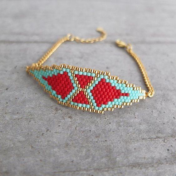 Le produit Bracelet motif Naos en délicas Miuki est vendu par My-French-Touch dans notre boutique Tictail.  Tictail vous permet de créer gratuitement en ligne une boutique de toute beauté sur tictail.com