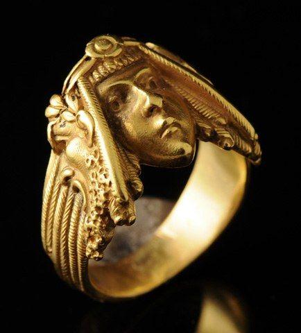 """Bagues anciennes / Art nouveau / Bague """"Salomé"""" en or. Art Nouveau."""