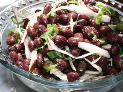 Receta   Ensalada de coco y judías (Coconut Bean Salad) - canalcocina.es