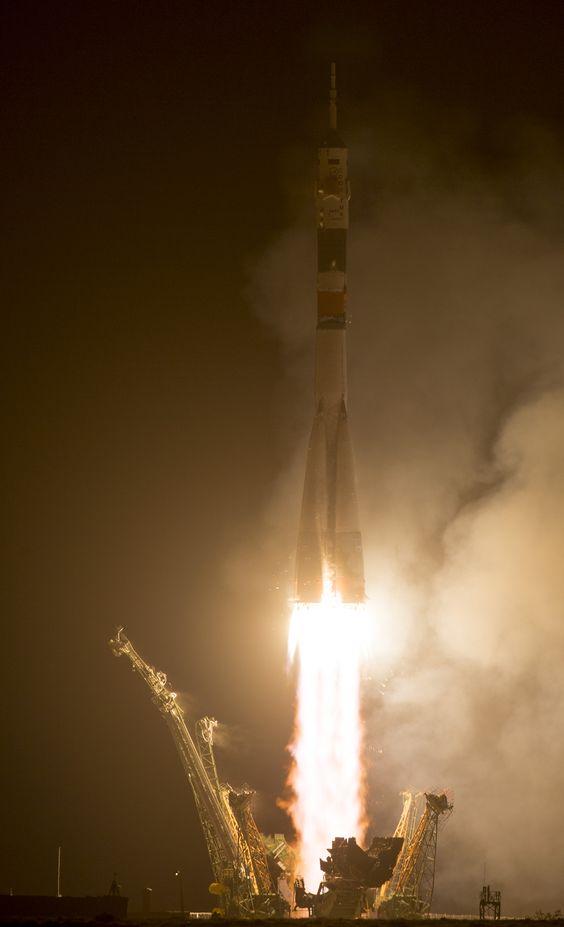 Expedición 40 a la EEI lleva 3 nuevos astronautas http://jighinfo-ciensp.blogspot.com/2014/05/expedicion-40-la-eei-lleva-3-nuevos.html