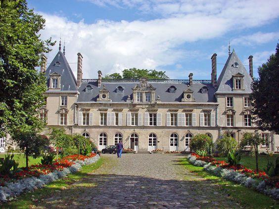 chateau d' aramont