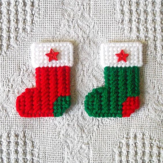 """Plastic Canvas: Christmas Stockings Mini Magnets (set of 2) -- """"Ready, Set, Sew!"""" by Evie"""