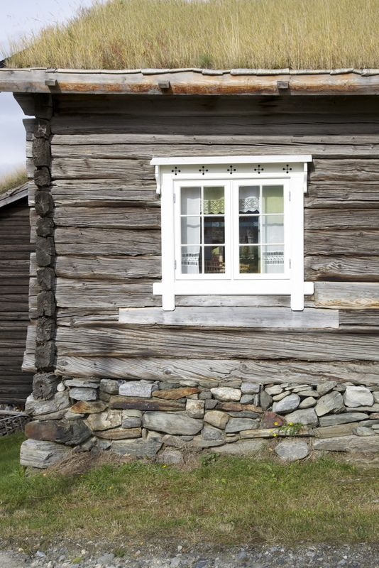 Window trims norway and grasses on pinterest for Log home windows