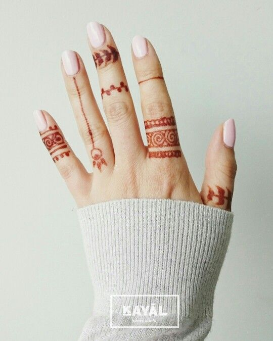 Henna Finger Tattoo Designs: Simple And Easy Henna Tattoo By Ḵayāl Henna Studio