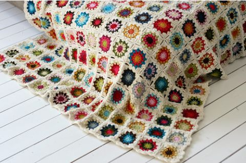 Beautiful crocheted blanket - Couldn't resist and I've made my own!