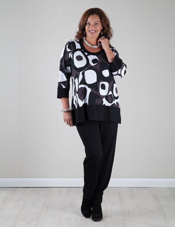 Kasbah negro / blanco camiseta pesada tapa de la impresión en negrilla con pantalón estrecho en la casilla 2