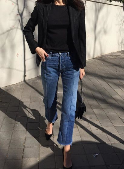 black blazer, black tee, raw hem jeans and pumps: