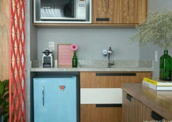 Uma cozinha de apoio para o studio cheio de estilo.