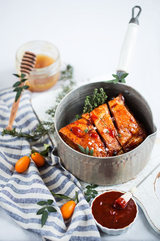 Travers de porc sauce BBQ aux kumquats confits - Ribs with kumquat bbq sauce ...