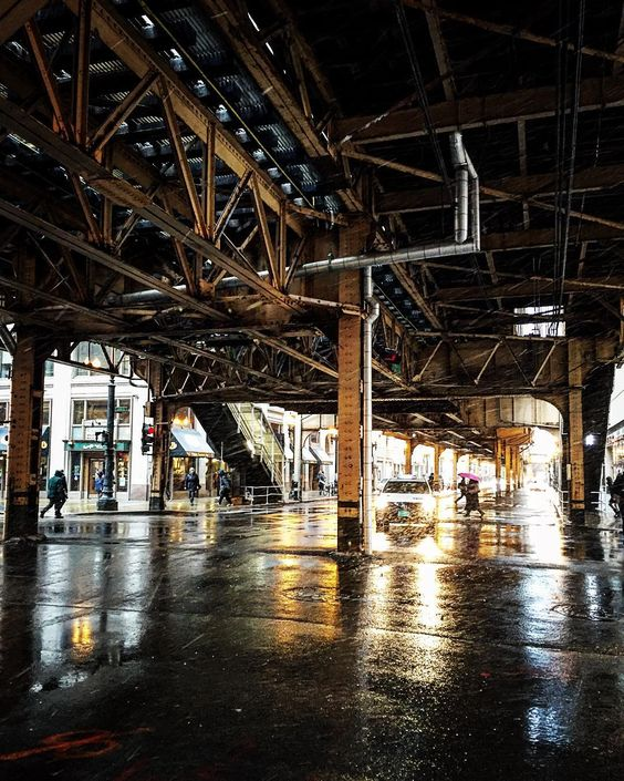 """""""The underbelly of the #EL. #cta, #trains, #winter, #snow, #photooftheday, #goodmorning,. #chicago, #windycity, #chitecture #gritty, #raw, #thisischicago,…"""""""