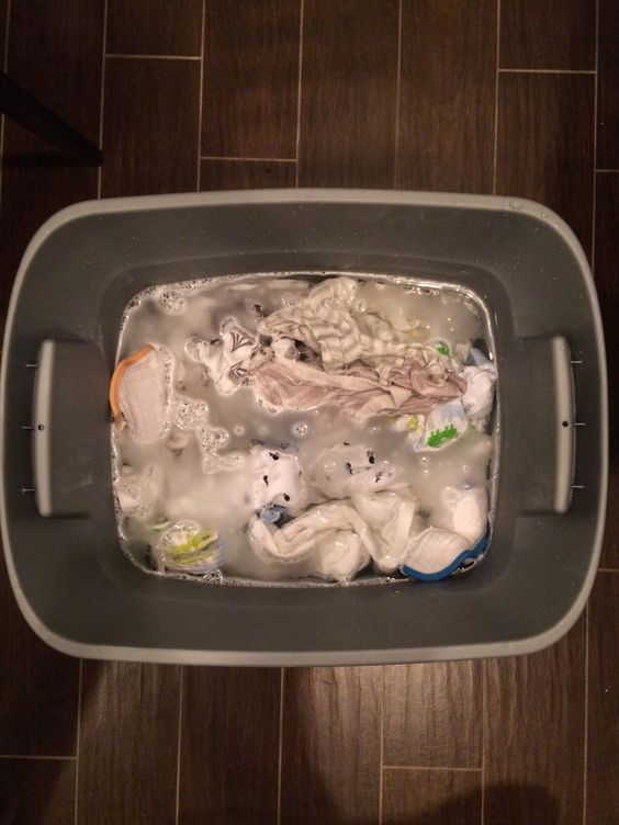 how to do an overnight oxiclean soak to remove set in protein stains like breastmilk baby poop. Black Bedroom Furniture Sets. Home Design Ideas