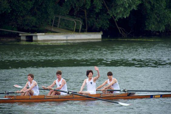 Sport ist eigentlich nicht sein Ding, aber die Rudermannschaft gefällt Guillaume (Guillaume Gallienne)   © 2014 Concorde Filmverleih GmbH