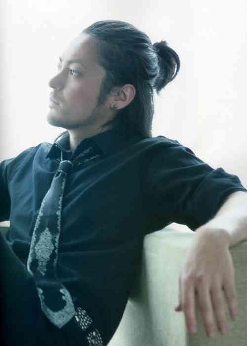 イケメン俳優 おしゃれまとめの人気アイデア Pinterest Sayu 長髪 メンズ アジアの男性のヘアスタイル 長い髪の男