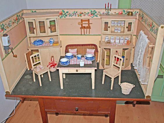 Puppenküche, groß mit viel Zubehör, und Tisch, 1920 - 1930 in Antiquitäten & Kunst, Antikspielzeug, Puppen & Zubehör | eBay!