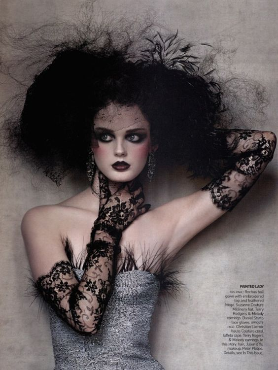 Vogue Editorial September 2004 - Lisa Cant by Irving Penn
