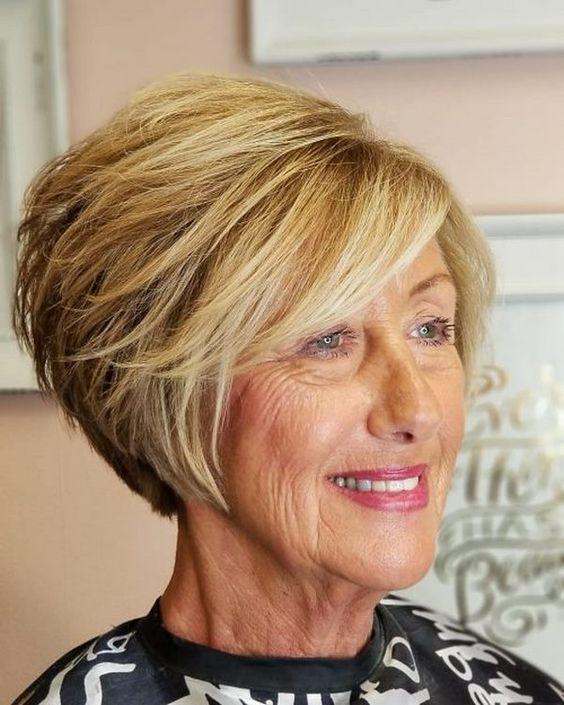 Стрижка для женщин за 60: омолаживающая, не требующая укладки, фото