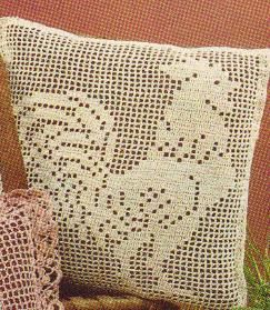 Free Filet Crochet Pillow Patterns : Free Crochet Pattern for this vintage filet crocheted ...