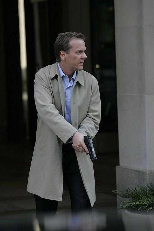 """24"" Jack Bauer Kiefer Sutherland Screen Worn Dress Shirt Season 7 | eBay"