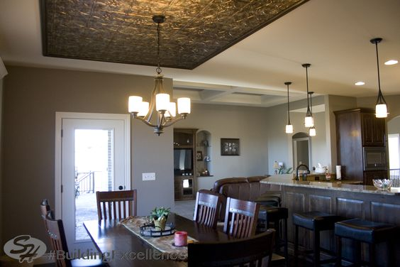 #Kitchen #Diningroom #Tin #ceiling #SHIncOnline #JeffersonCityArea #BuildingExcellence www.signaturehomesjc.com