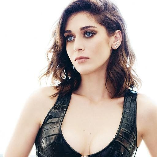 Lizzy Caplan Nude Photos 1