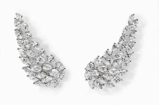Messika boucles d'oreilles Angel en diamants http://www.vogue.fr/joaillerie/shopping/diaporama/diamants-eternels-boucles-d-oreilles-tapis-rouge-festival-de-cannes/18676/image/999114#!messika-boucles-d-039-oreilles-angel-en-diamants