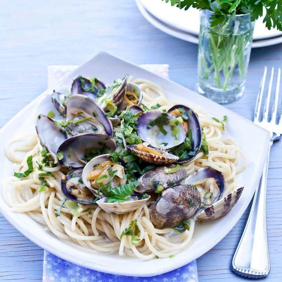 Spaghetti with Clams, Leeks and Garlic Chives | Clams, Oysters ...