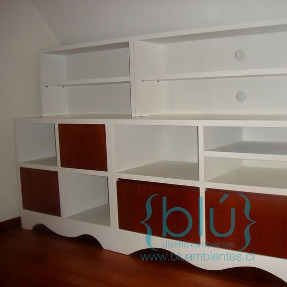 Mueble modular sala de estar lacado con madera proyectos for Sala de estar kawaii