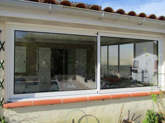 Une baie vitrée franchement posée