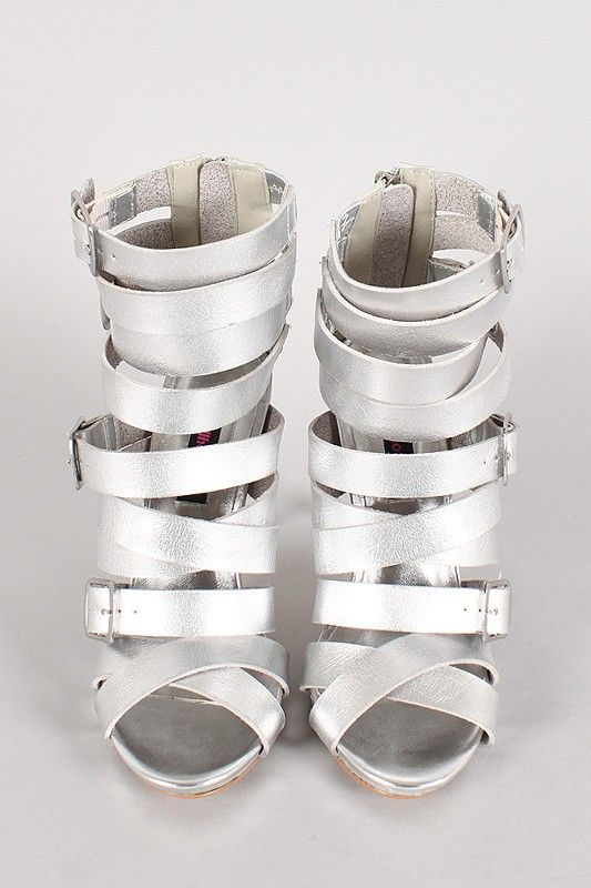 Op zoek naar stijlvolle musthave zilveren hoge hakken, je besteld alle kleuren makkelijk online bij Diewilikhebben.com