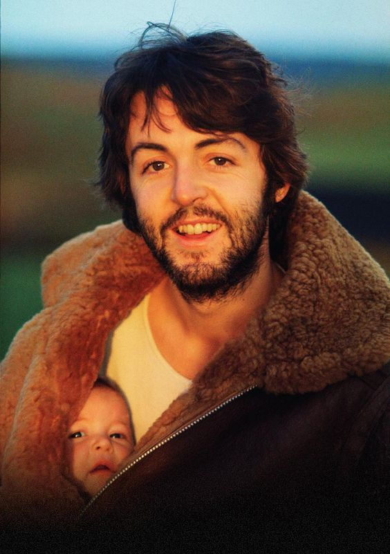 Love this picture. Paul McCartney & his daughter, photographed by Linda <3