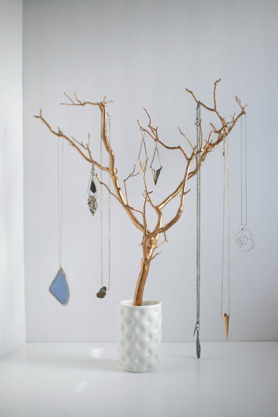 Organisateur or bijoux titulaire arbre peint par BluRavenDesigns