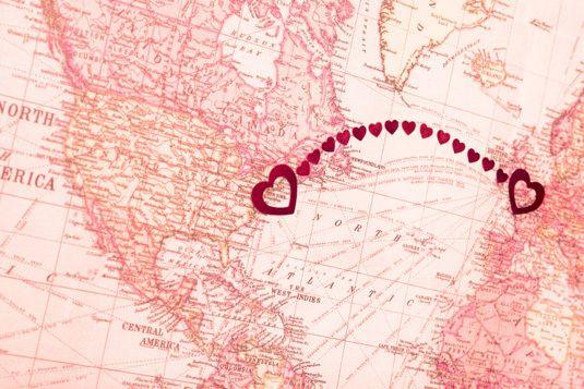 24 Cosas que pasan cuando te enamoras de alguien a larga distancia
