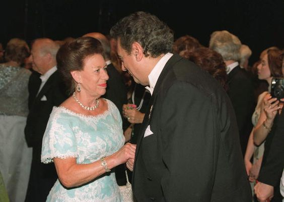 Princess Margaret Meeting Placido Domingo At A Special Farewell Gala Performance…