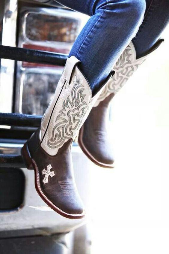 Tony Llama boots <3