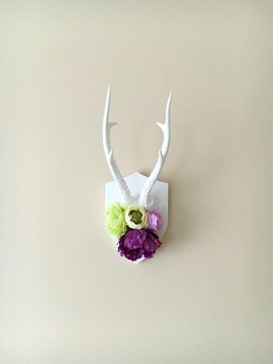 Wall antlers, deer antlers wall decor, wall decor / Flowers, Floral, Real antlers, Nursery decor, Nursery wall art, Wall Hanging, Taxidermy
